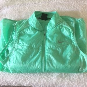 Mint Green Nike Running Vest Size L